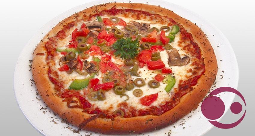 Gesundes Essen mit Pizza